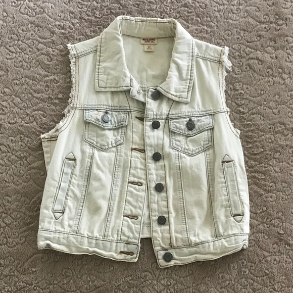 Mossimo Supply Co. Jackets & Blazers - Mossimo jean jacket, off white distressed